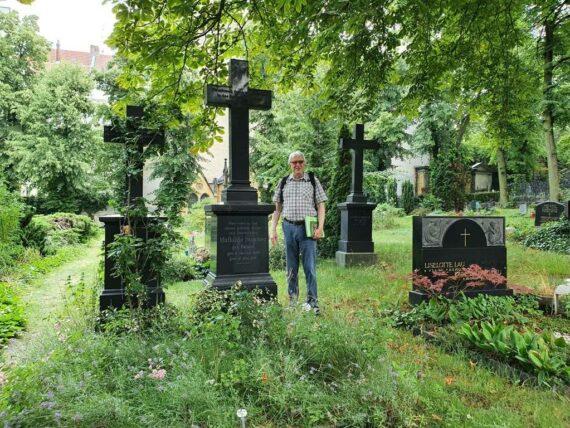 Gräber, Gründer und Gelehrte  Führung                                                                          auf dem Alten St. Matthäus Kirchhof