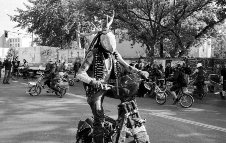"""Preview zur """"Easy Rider Road Show"""" – eine Ausstellung über das Fahrrad als Utopie"""
